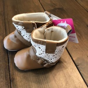 Other - Soft baby boots